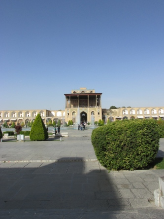 The palace directly across the square from the mosque.