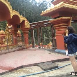 A roadside Hindu temple